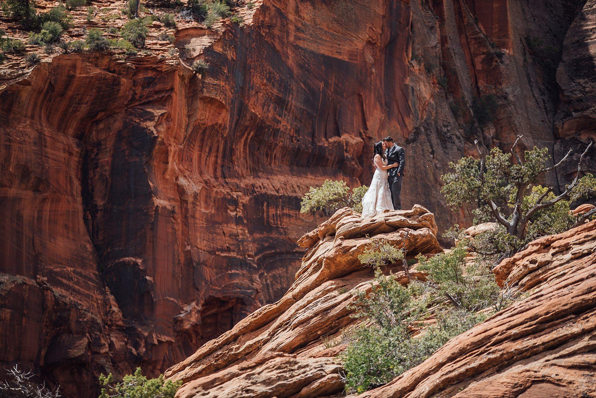 Hicks-Zion-National-Park-Wedding-0010.jpg