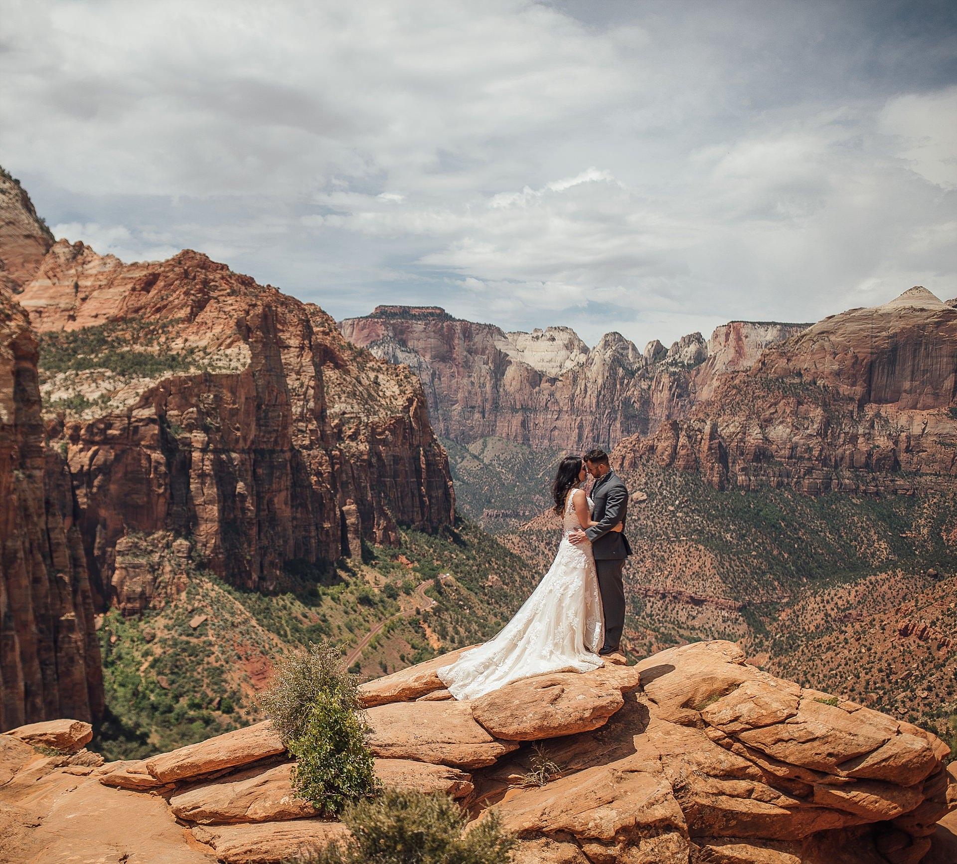 Hicks-Zion-National-Park-Wedding-0012.jpg