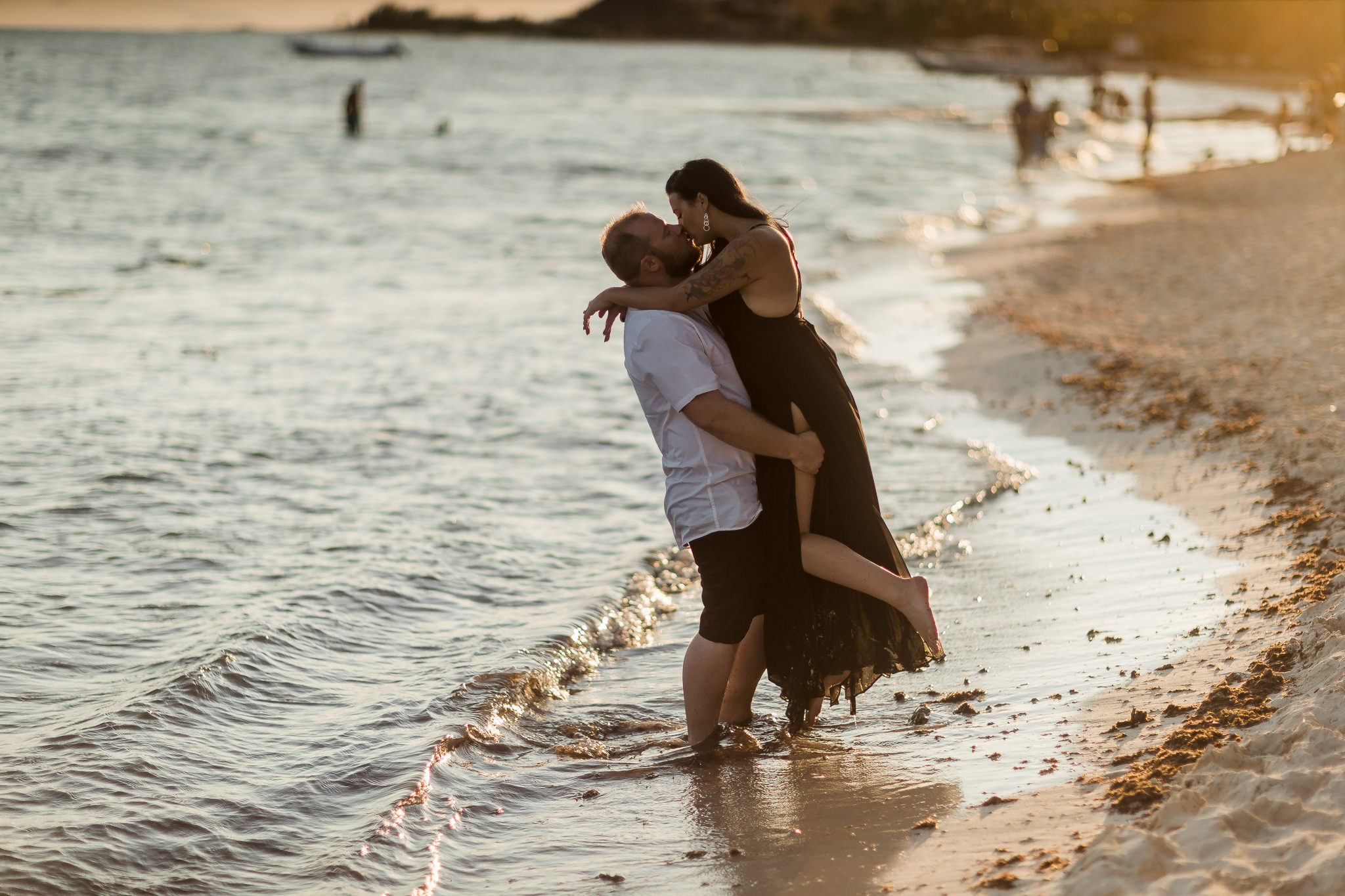 Couples Portraits on the Beach in Mexico