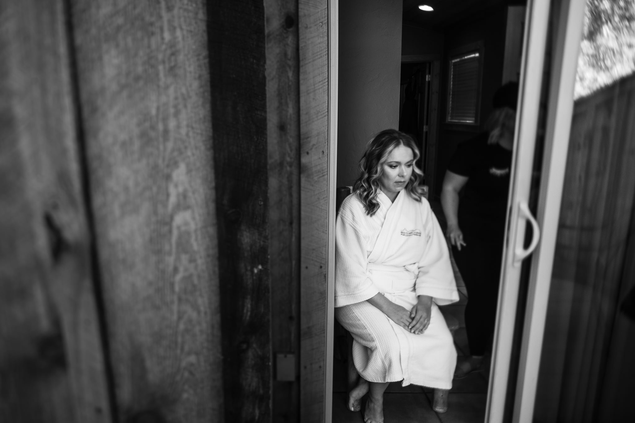 Bride gets ready at Red Cliffs Lodge