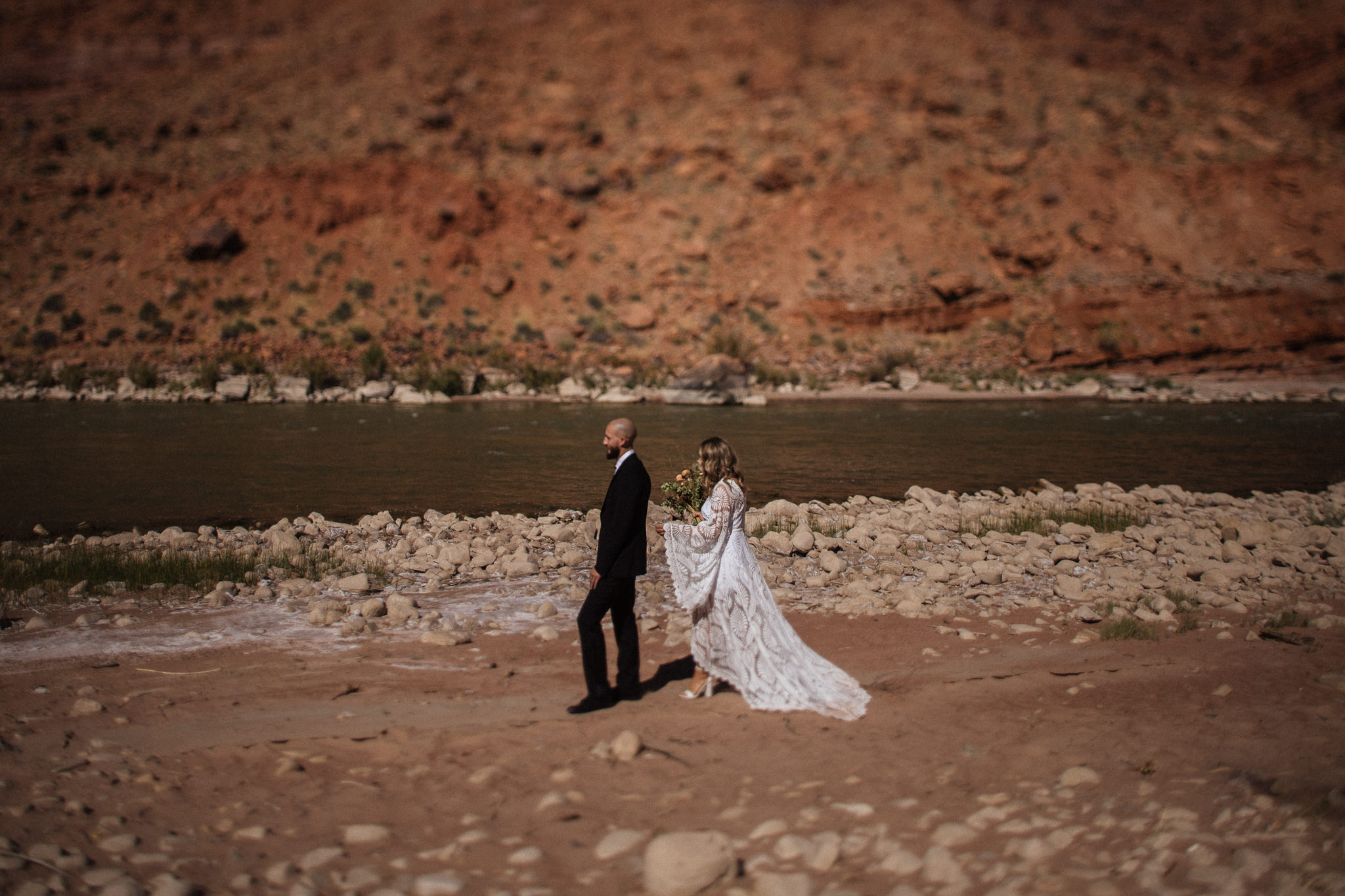 First Look Portraits in Moab Utah